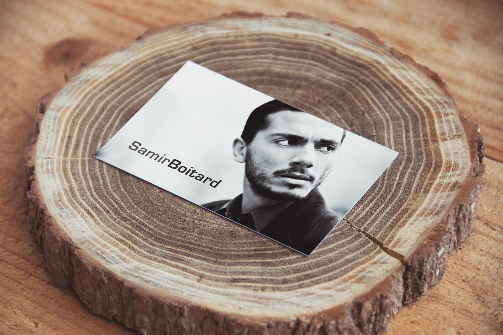 Design des cartes de visite pour le comédien Samir Boitard. Réalisation par le studio du flamant rose, Bordeaux.